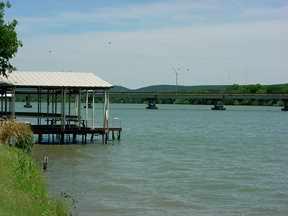 boatlift in Kingsland